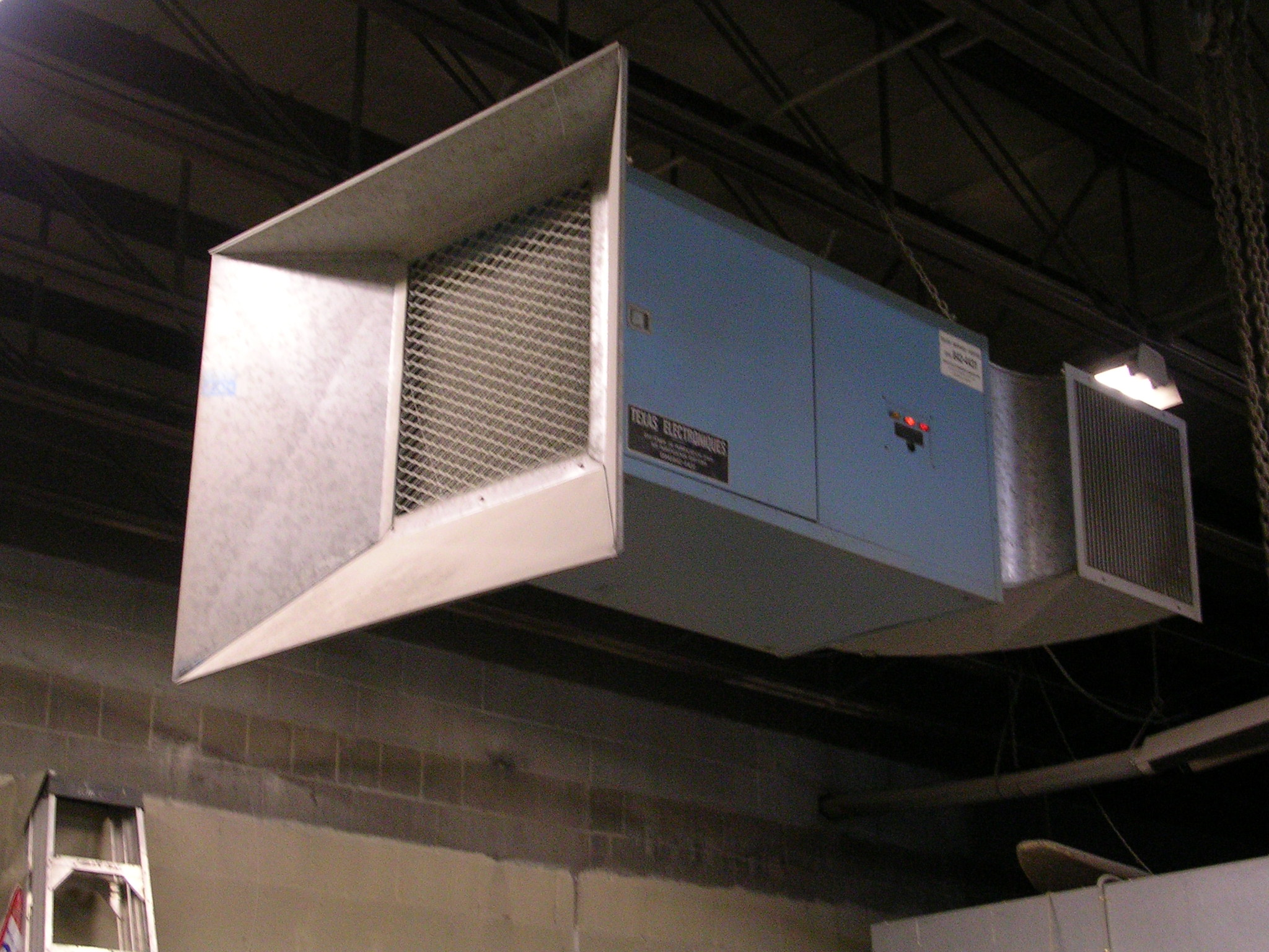 INDUSTRIAL AIR CLEANER FOR THE CONTROL OF AIRBORNE DUST #854F46